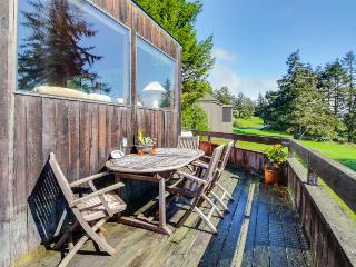 Hillside ocean-view home, w/private hot tub & large deck!, Sea Ranch