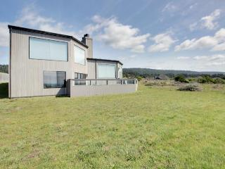 Oceanfront rental w/ modern decor, meadow views, shared pool, & private hot tub, Sea Ranch