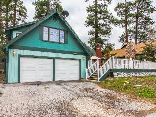 Open and spacious home w/ game room, close to the lake!