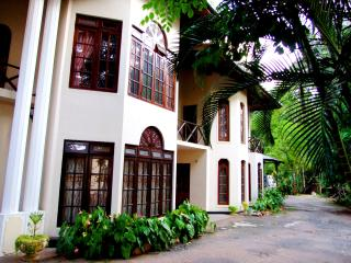 1.5Km from city center GREAT VALUE Apt. 3BR for$45, Kandy