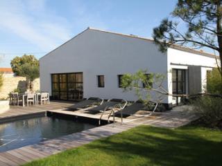 Jolie villa de caractère avec piscine chauffée, Saint-Georges-d'Oleron