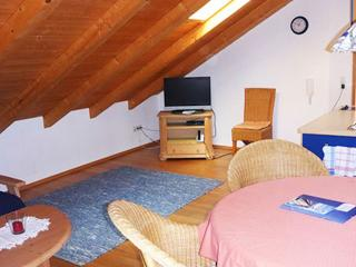 Vacation Apartment in Ammerland am Starnberger See - 753 sqft, bright, comfortable, active (# 9606), Hallbergmoos