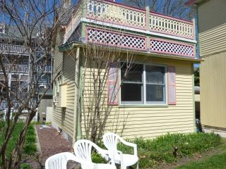 Seaside cottage experience, e-z walk 2 everything, Cape May