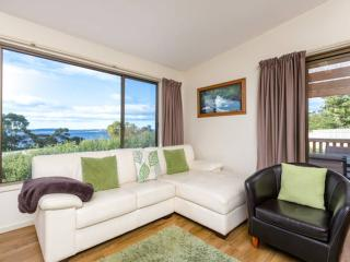 Private, Comfortable Family Friendly House, Close to Hobart, Near safe Beaches
