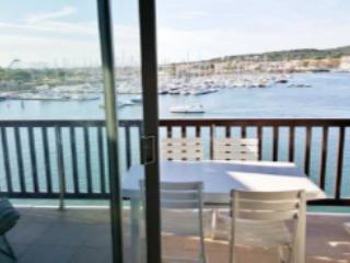 6 couchages 1ere ligne  vue magnifique port et mer