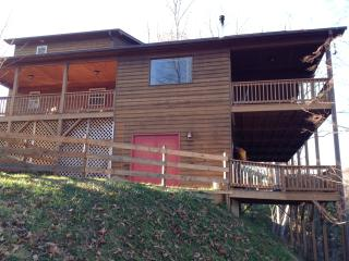 Beautiful Murphy NC Chalet with Amazing Views!