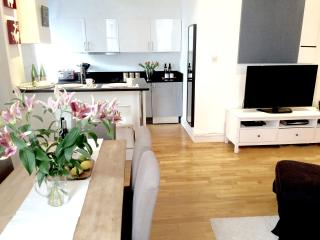 LUX! WESTEND! HYDE PARK 2bed/2bath, 5 min to tube!, West End