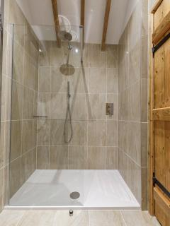 Ensuite walkin shower