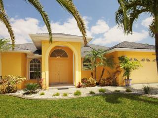Pineapple Paradise, Cape Coral