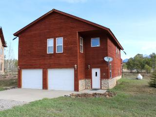 Embrace a relaxing Pagosa Springs vacation in this pet friendly home.