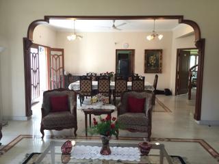 Charming English Villa in Downtown Somajiguda - 5 Bedrooms Ensuite, Hyderabad