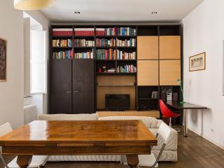 Santi Quattro Private Apartment