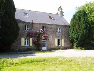 Peace & Tranquility | Lovely Rural Stone Cottage, Langonnet