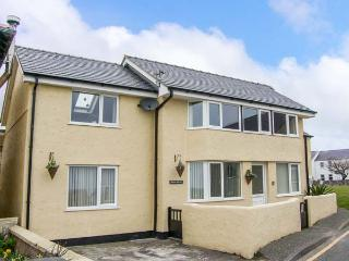 BRYN GOLEU, detached, upside down accommodation, off road parking, enclosed patios, in Moelfre Ref 904140