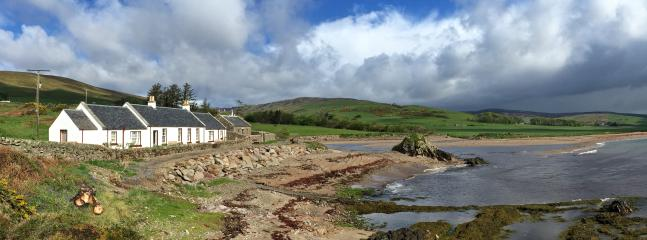 Shore Cottage is located at the western end of Carskiey Bay on the Kintyre peninsula