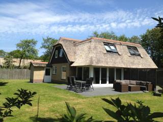 Gezinsvriendelijk luxe vakantiehuis Oerd Ameland