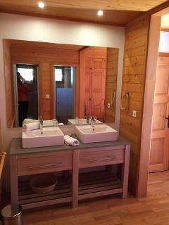 Nice bathroom in parent's room