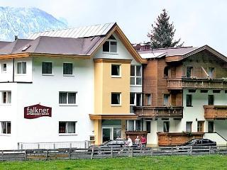 Falkner, Langenfeld