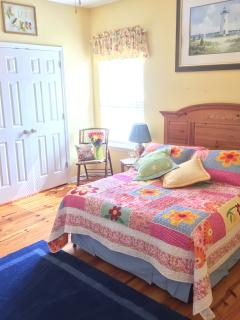 Patchwork, shabby chic 2nd bedroom with double bed. Filled with bird decor in keeping w/bird theme!