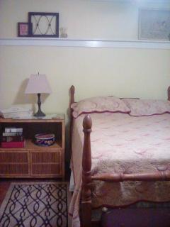 Bedroom three - Serta Full bed and Smart Tv