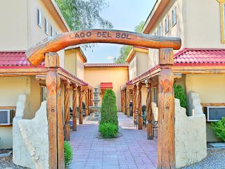 Lagos Pavo at Sunbanks Resort, Electric City