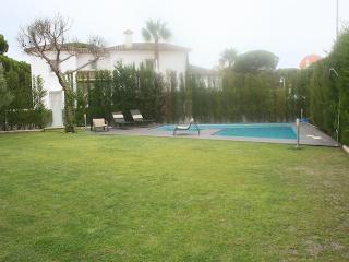 Villa con piscina,5 dormitorios,playa a 500 metros