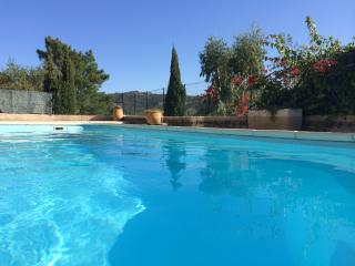 Lovely South Facing House with Private Pool