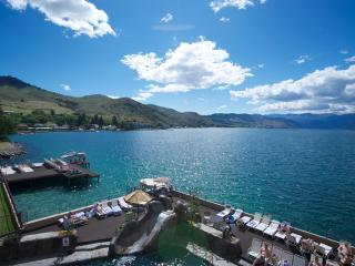 Grandview Lakefront - Groundfloor Sleeps 6, Chelan