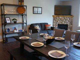Downtown Vacation Retreat - Newly Remodeled!, Canmore