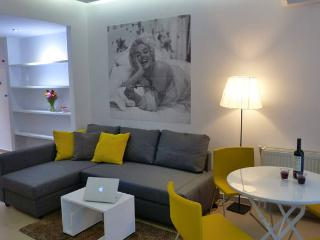 Stylish Apartment in Athens near Acropolis, Kallithea