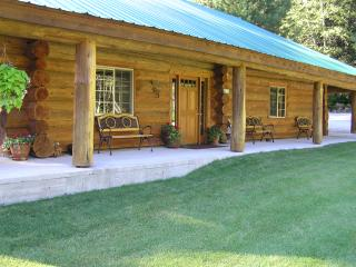 Lodge in the Summer, covered porch, private tennis & basketball court, with beautiful grounds