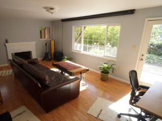 Large 1 bedroom with private garden, Berkeley
