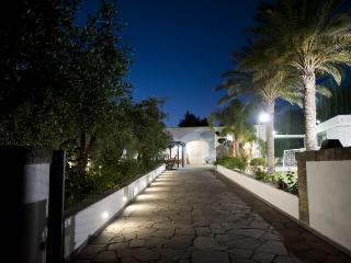 Villa Lusso con Piscina Giardino a 500mt dal mare, Marina di Novaglie