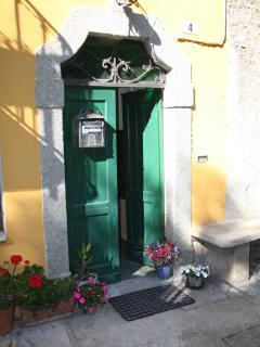 La Gim Entrance