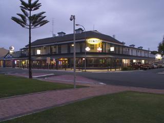 Grand Tasman Hotel - Twin