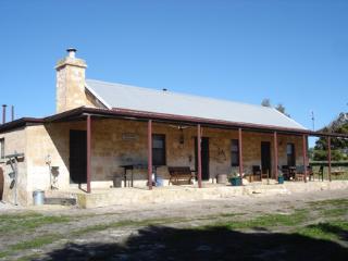 Mnt Dutton Bay Heritage Cottage - Mount Dutton Bay Cottage, Coffin Bay