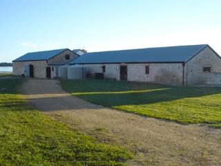 Mnt Dutton Bay Hostel - Mount Dutton Bay Hostel - Group Accommodation, Coffin Bay