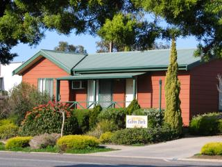 Port Lincoln Cabin Park - 1 Bedroom Self Contained Cabin with Spa