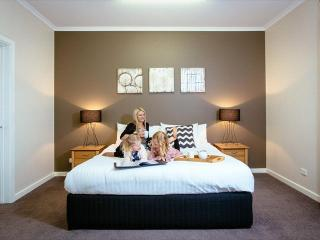 Port Lincoln Foreshore Apartments - Foreshore Apartment Unit 2