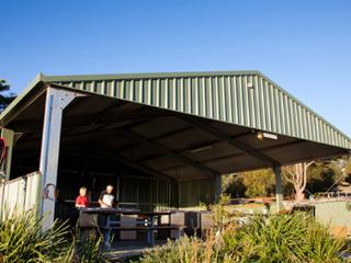 Port Lincoln Tourist Park - Executive Cabin