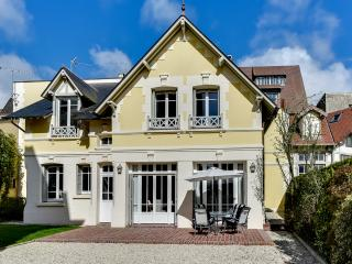 Charming cottage in the heart of Deauville