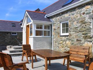 Penrhyn Farm Cottages (Y Beudy) with Sea Views