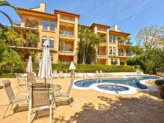 Family Friendly Luxury Condo close to Beach Club at Los Sueños by HRG!, Herradura