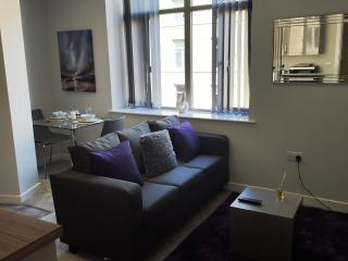 1 Bedroom Luxury Serviced Apartment, Bradford
