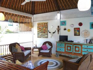 SPACIOUS LOVE VILLA 2 - Double Six Surf Beach Legian Seminyak