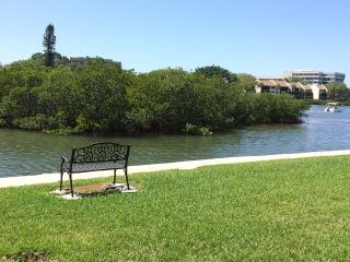 Inter-coastal waterfront condo 1/4 mile from beach