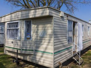 California Cliffs 50020 - Close to amenities, Great Yarmouth