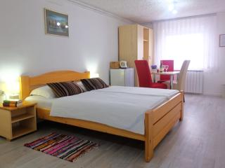 Double/Triple room, Seliste