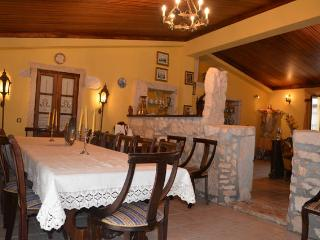 Country House Villa (5 rooms, 11 beds, 20 guests)