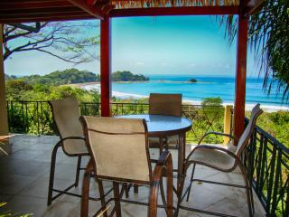 Villa with private pool & ocean view, Dominical